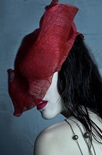 HEAD DRESS.  NOI.SE MAGAZINE. AUSTRALIA 2011